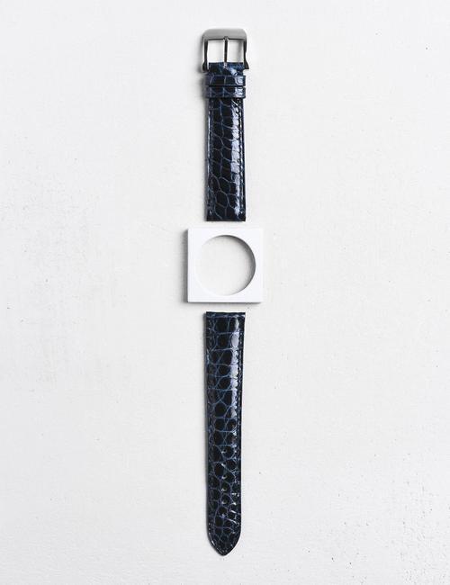 17.01-bracelet-montre-alligator-bleu-azur-brillant-ecailles-rondes.jpg